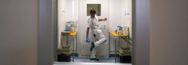 CDC study shows coronavirus travels on shoe bottoms.